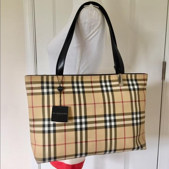 58b7b6a29380 Burberry Handbags - EUC Burberry vintage nova check classic large tote